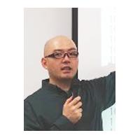 高井 歩 氏