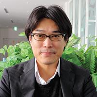 石井 博幸 氏